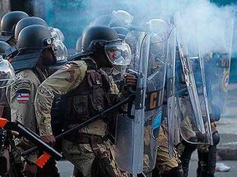 PMs reprimiram protestos na quinta, dia 20 - Foto: Lúcio Távora   Ag. A TARDE