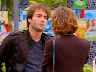 Fabinho quer que Amora se case com ele - Foto: TV Globo | Divulgação