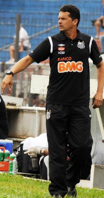 Claudinei Oliveira é técnico interino do Santos após saída de Muricy - Foto: Divulgação | Santos FC