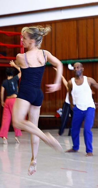 Dieta dos bailarinos deve contar até 65% de carboidratos - Foto: Fernando Vivas | Ag. A TARDE