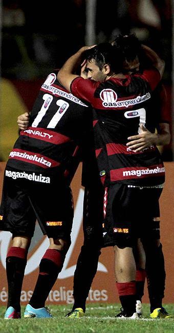 Leão chegou aos 10 pontos na competição, um a menos que o líder Coritiba - Foto: Eduardo Martins l Ag. A TARDE