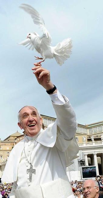 Reforma será conduzida por uma comissão de oito cardeais que o papa nomeou - Foto: Agência Reuters