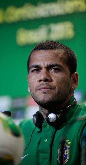 Lateral jogou no Bahia entre 2001 e 2002, quando foi para o Sevilla (ESP) - Foto: Raul Spinassé | Ag. A TARDE