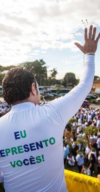 Marco Feliciano liderou um dos carros da marcha - Foto: Avener Prado | Folhapress