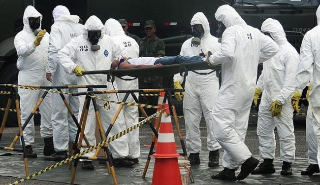 Militares participam da simulação de caso de ataque com arma química - Foto: Marinha do Brasil | Divulgação