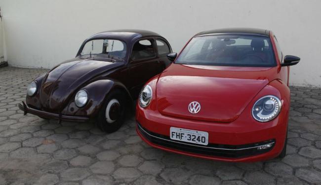 O alemão de 1949 é o Fusca mais antigo do Brasil; o novo tem teto solar de vidro e som Fender - Foto: Joá Souza | Ag. A TARDE