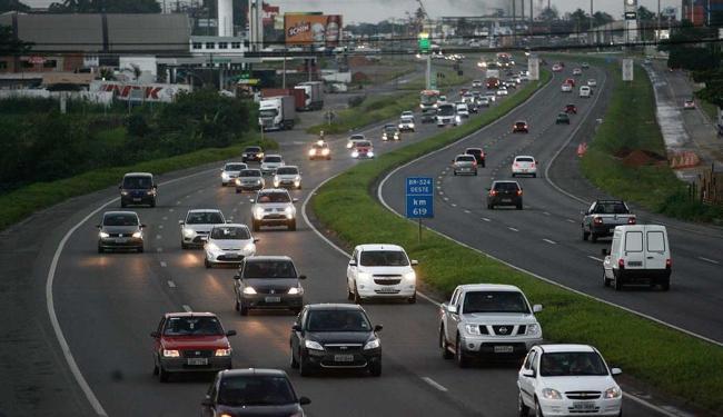 A PRF registrou queda de 19% nos acidentes em relação ao feriadão de 2012 - Foto: Raul Spinassé | Ag. A TARDE