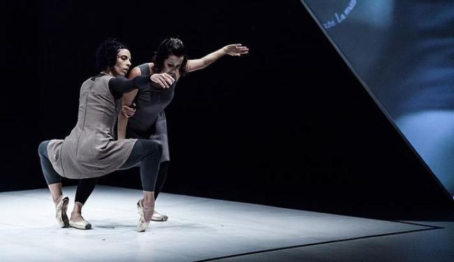 Bailarinos da Staccato fazem performances de solo e duos - Foto: João Julio | Divulgação