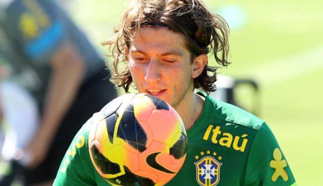 Na atividade, Filipe Luis foi mantido como titular da lateral esquerda; Marcelo fica na reserva - Foto: Wander Roberto/VIPCOMM