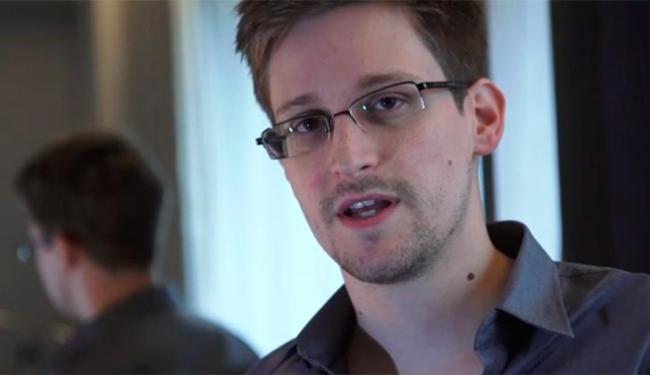 Edward Snowden, de 29 anos, é ex-agente da CIA e está em Hong Kong - Foto: Reprodução | Vídeo | The Guardian