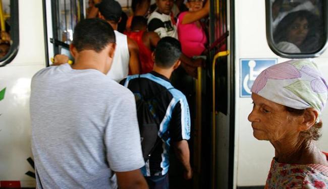 Estação Pirajá: redução diminuiria ainda mais qualidade do serviço prestado ao usuário - Foto: Lúcio Távora | Ag. A TARDE