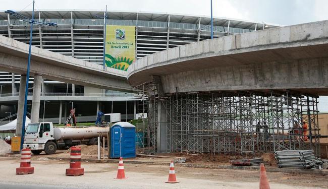 Viaduto da Arena é escorado após aparecimento de rachadura - Foto: Mila Cordeiro | Ag. A TARDE