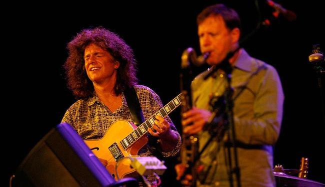 Guitarrista Pat Metheny dialoga com o saxofone de Cris Potter em show no TCA - Foto: Margarida Neide   Ag. A TARDE