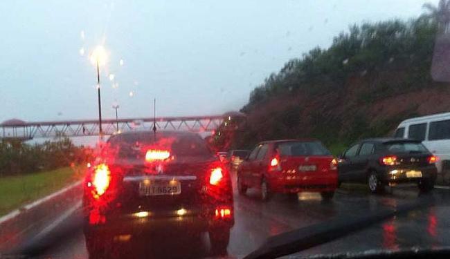 Situação está complicada para quem segue no sentido rodoviária - Foto: Vanessa Bonin | Foto do leitor