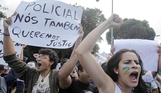 Manifestantes se concentram na Praça do Campo Grande - Foto: Lúcio Távora   Ag. A TARDE