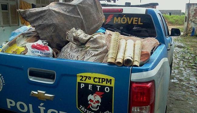 Além dos fogos, a polícia achou grande quantidade de material usado na fabricação - Foto: Paulo Galvão l Forte na Notícia