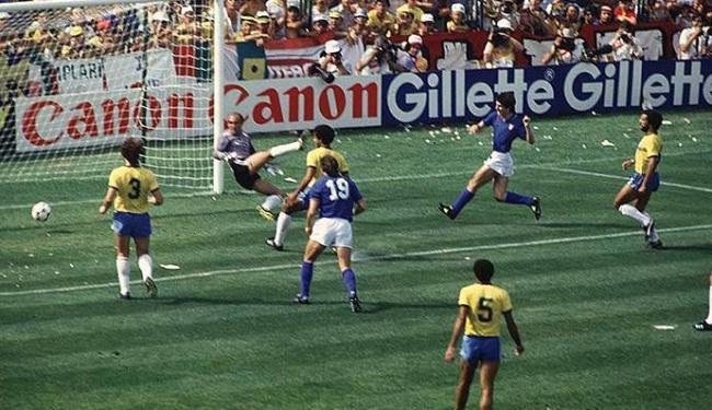 O italiano Paolo Rossi foi o carrasco da seleção brasileira em 82 - Foto: Arquivo | Ag. A TARDE