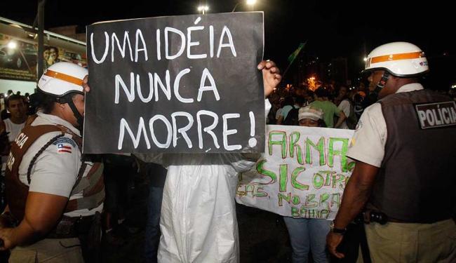 Acadêmicos baianos preveem mudanças na estrutura política do Brasil após protestos - Foto: Lúcio Távora   Ag. A TARDE