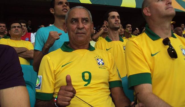 Seu Juarez, pai de Fred, aprovou a atuação do filho na Arena Fonte Nova - Foto: Ricardo Palmeira   Ag. A TARDE