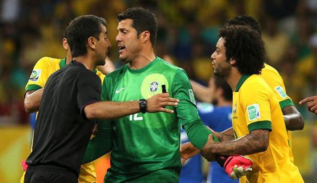Arbitro usbeque Ravshan Irmatov na partida entre Brasil x Itália em Salvador pela Copa das Confedera - Foto: Paulo Whitaker l Reuters
