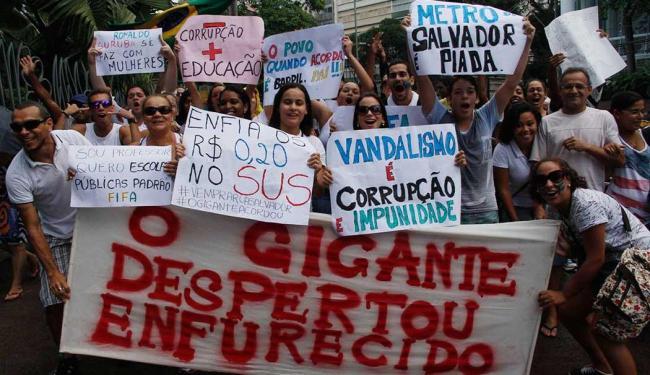 Uma greve geral está sendo cogitada para o dia 1º de julho - Foto: Joá Souza | Ag. A TARDE