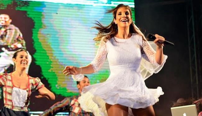 Vestida de noive, Ivete homenageou Dominguinhos durante show - Foto: Saulo Brandão | Divulgação
