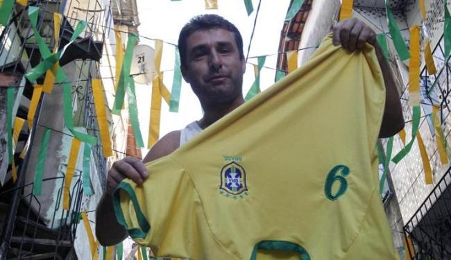 O paulista Renato Campos, morador do bairro do Uruguai, em Salvador, torce contra a Seleção - Foto: Lucio Tavora / Agência A Tarde