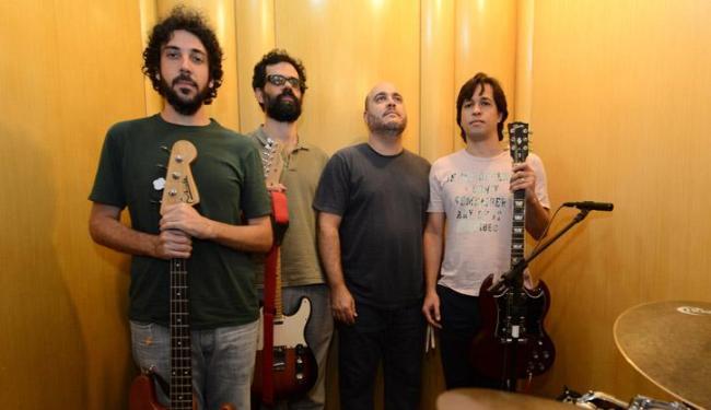 Sergio (baixo), Ronei (voz), Pedrão (bateria) e Edinho (guitarra) tocam dia 5 na Commons - Foto: Ricardo Prado / Divulgação