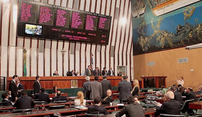 Assembleia aprova ficha limpa, com ressalvas, para quem assumir cargo público - Foto: Eduardo Martins | Ag. A TARDE