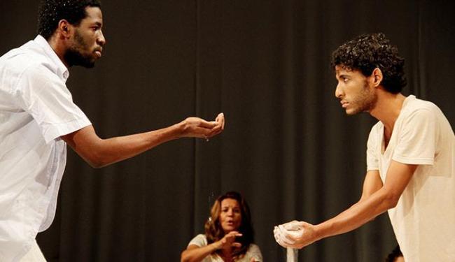 Espetáculo está em cartaz no Teatro Jorge Amado até domingo - Foto: Alessandra Nohvais | Divulgação