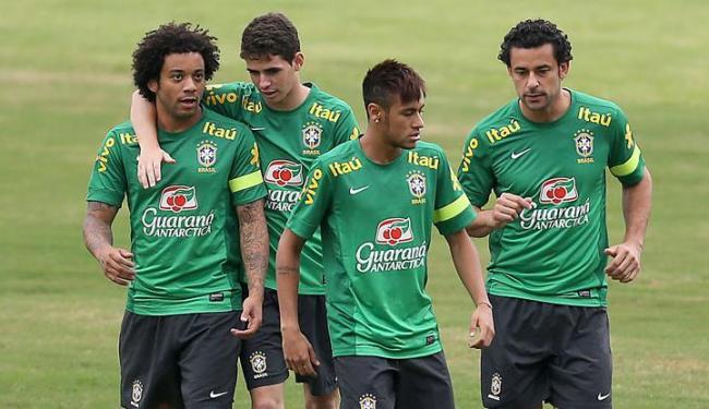 Neymar, Marcelo, Oscar e Fred batem bola em São Januári - Foto: Jefferson Bernardes   VIPCOMM   Divulgação