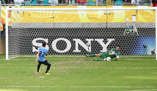 Goleiro foi o herói italiano ao defender três pênaltis na disputa do 3º lugar contra o Uruguai - Foto: Fernando Amorim/ AG. A TARDE