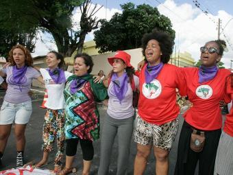 Manifestantes de várias matrizes vão às ruas de Salvador - Foto: Joá Souza | Ag. A TARDE