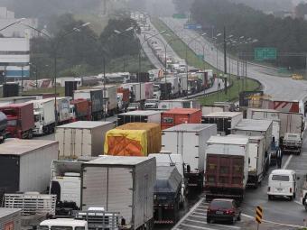 Protestos também acontecem nas rodovias federais de São Paulo - Foto: Alex Falcão | Futura Press
