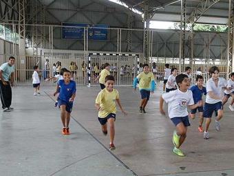 Praticar esportes desde a infância traz benefícios por toda a vida - Foto: Gildo Lima | Ag. A TARDE