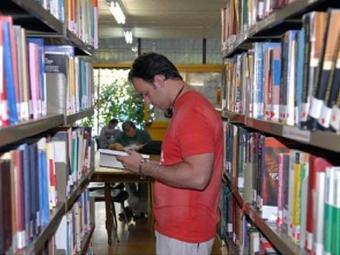 Biblioteca é o principal equipamento cultural do país, diz pesquisa - Foto: Agência Brasil