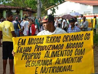 Moradores protestam contra desapropriação - Foto: Ed Santos   Site Acorda Cidade