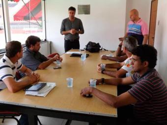 Gallo ministrou uma palestra aos dirigentes do Leão - Foto: Esporte Clube Vitória | Divulgação