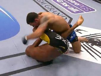Brasileiro Anderson Silva perde para Weidman por nocaute - Foto: Reprodução | UFC TV