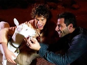 Cassiano encontra turmalina com a ajuda de Ariana - Foto: TV Globo | Divulgação