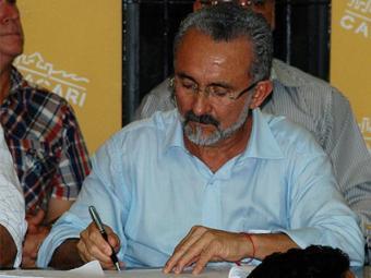 Prefeito assina decreto que reduz tarifas do transporte - Foto: Divulgação
