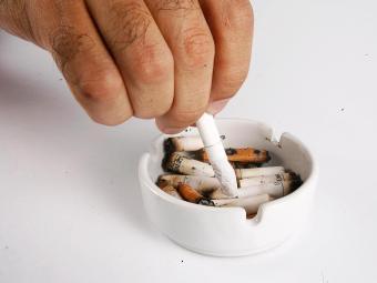 Acredita-se que o cigarro tenha causado a morte de mais de 100 milhões de pessoas no século XX - Foto: Welton Araújo   Ag. A TARDE