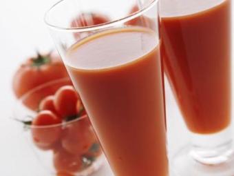 Suco de tomate funciona como diurético natural - Foto: Divulgação