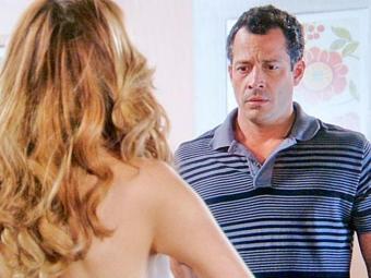 Glauce fica nua e se oferece para Bruno, mas ele diz que não a ama - Foto: TV Globo | Divulgação