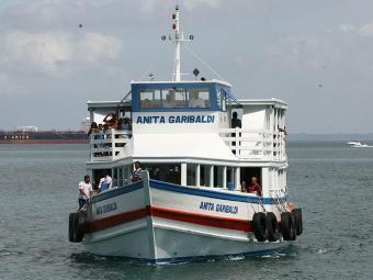 Na travessia Mar Grande-Salvador, oito embarcações operam nesta segunda - Foto: Haroldo Abrantes   Arquivo   Ag. A TARDE
