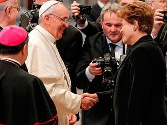 Dilma rompeu uma tradição da Igreja e convidou líderes de toda a América Latina - Foto: Roberto Stuckert Filho   PR