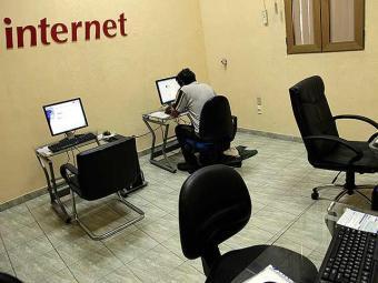 Muitas pessoas se sentem solitárias quanto estão offline - Foto: Agência Reuters