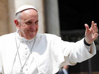 Ao chegar na Catedral, o Papa Francisco embarcará em um carro aberto e desfilará para o público. - Foto: Agência Reuters