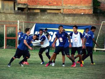 Elenco tricolor ensaia jogadas de bolas paradas e está pronto para o clássico Ba-Vi - Foto: Esporte Clube Bahia | Divulgação