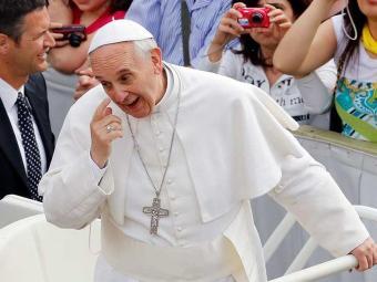 Em declarações em voo entre Roma e o Rio, o papa deixou claro sua preocupação social - Foto: Agência Reuters